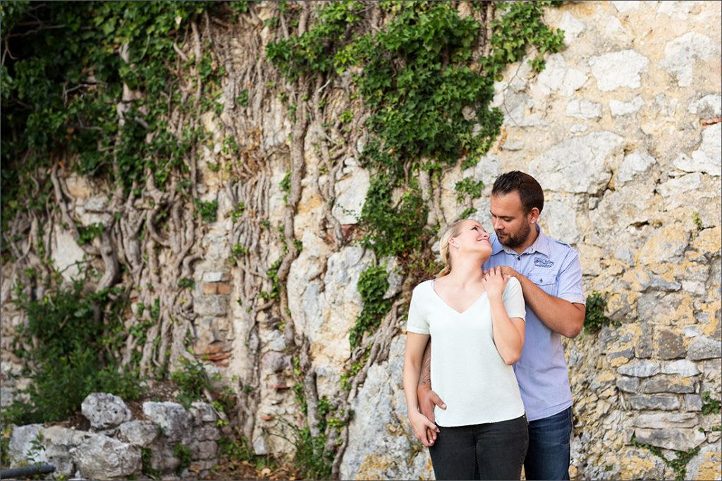 Verlobungs Fotoshooting bei der Schlossruine Dorneck. Fotografiert von Fotografin Soraya Häßler