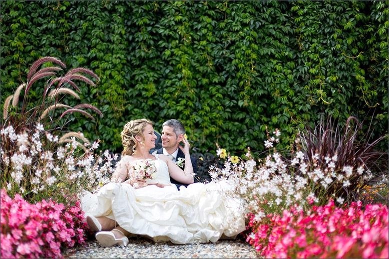 Brautpaar Fotoshooting auf Schloss Wildenstein (Bad Bubendorf) fotografiert von der Fotografin Soraya Häßler - Bee Lucky Pictures