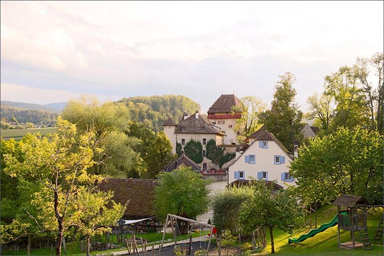 Hochzeit auf Schloss Wildenstein (Bad Bubendorf) fotografiert von der Fotografin Soraya Häßler - Bee Lucky Pictures