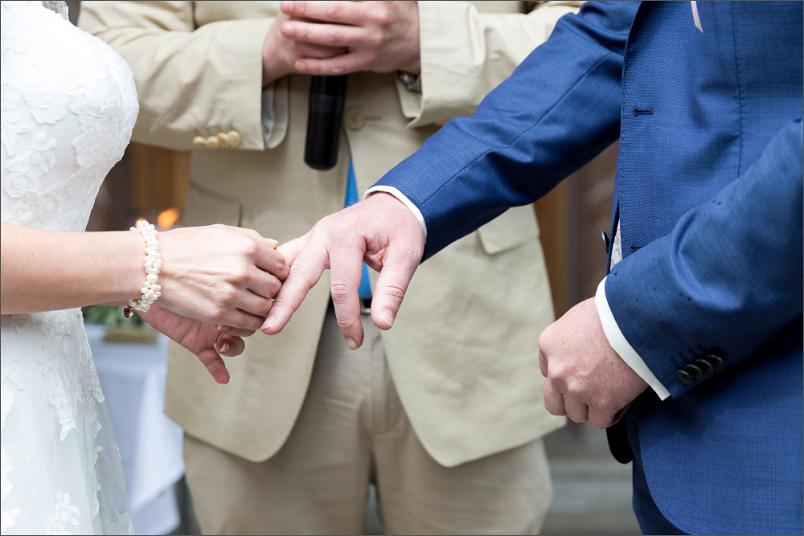 Freie Trauung Basel - Merian Villa - Ringtausch - Hochzeitsfotograf