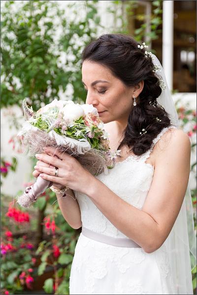 Merian Gärten - Brautpaar Fotoshooting - Braut - Hochzeitsfotograf Basel