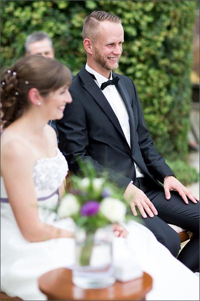 Hochzeitsfotograf Efringen-Kirchen - Standesamtliche Trauung in Mappach - Bräutigam