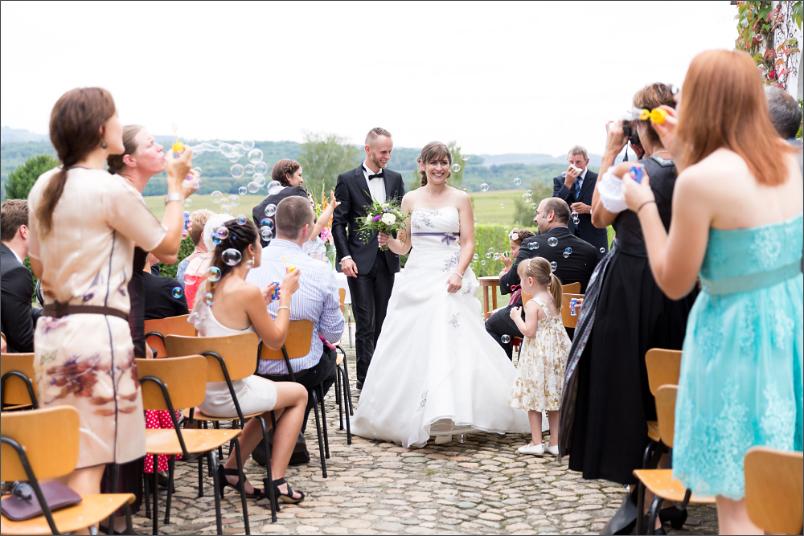 Hochzeitreportage - Standesamtliche Trauung auf einem Pferdehof in Mappach