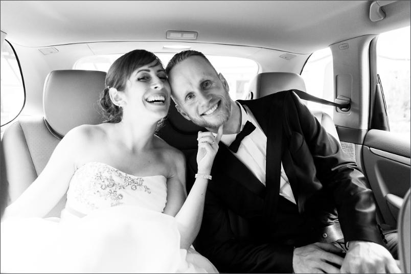Hochzeit in Mappach (Efringen-Kirchen) Brautpaar im Auto