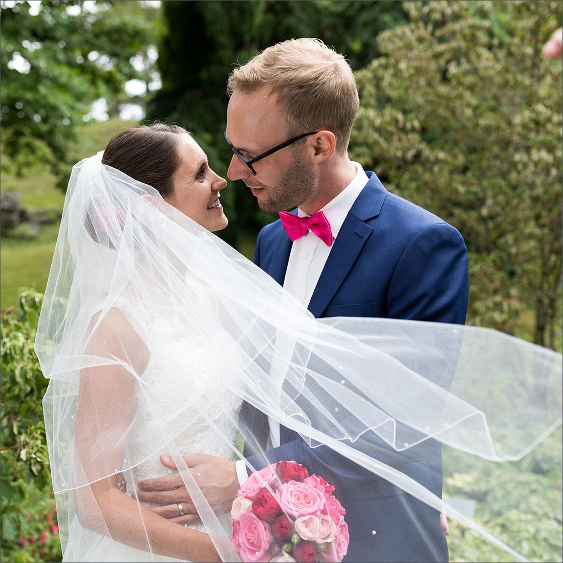 Hochzeitsfotografin Basel - Brautpaar Merian Gärten