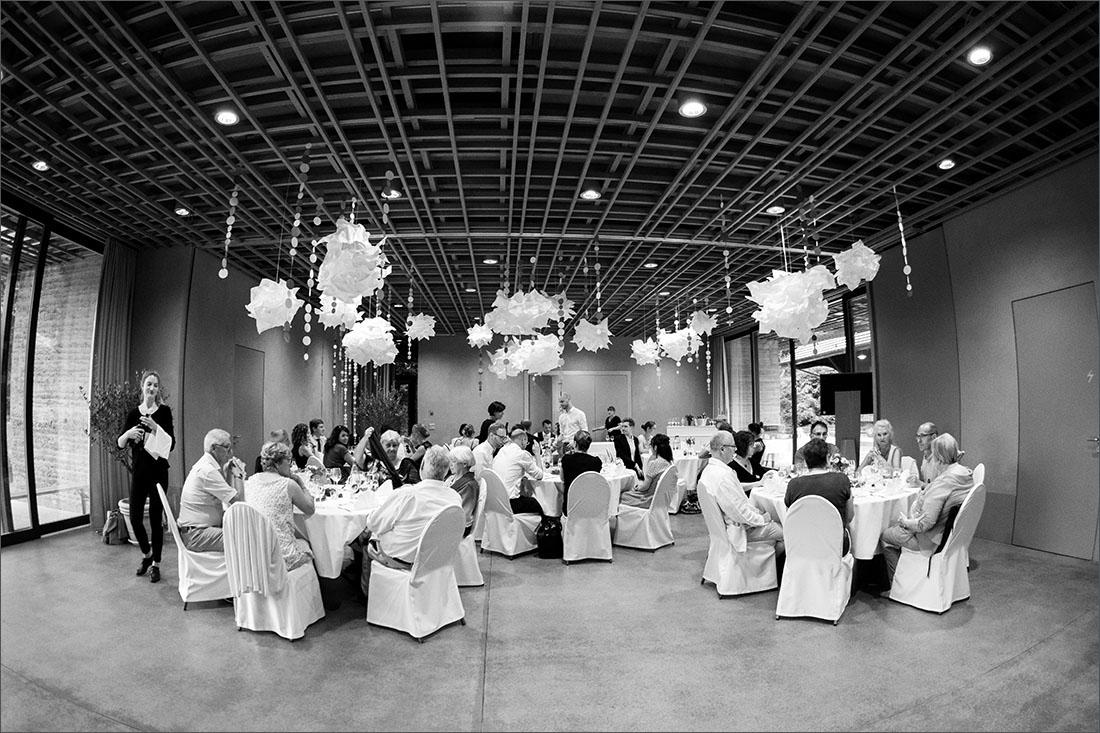 Hochzeitsfeier Lehmhaus in den Merian Gärten Basel