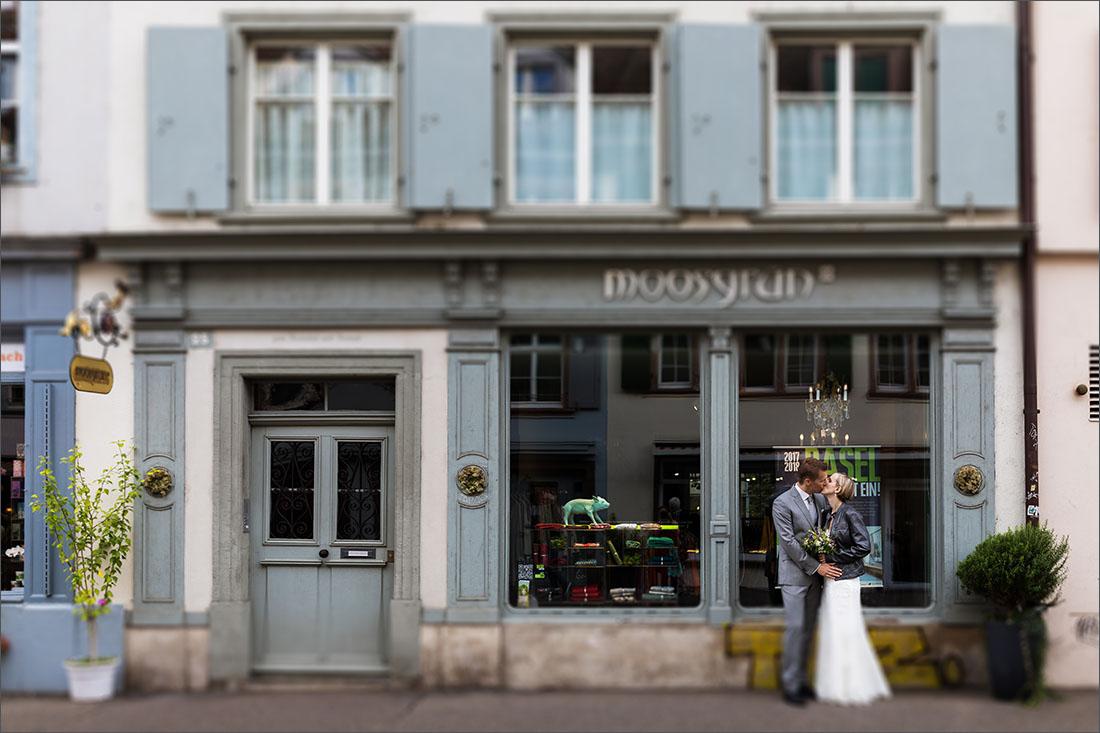 Hochzeitsfotografin Basel - Spalenberg Moosgrün